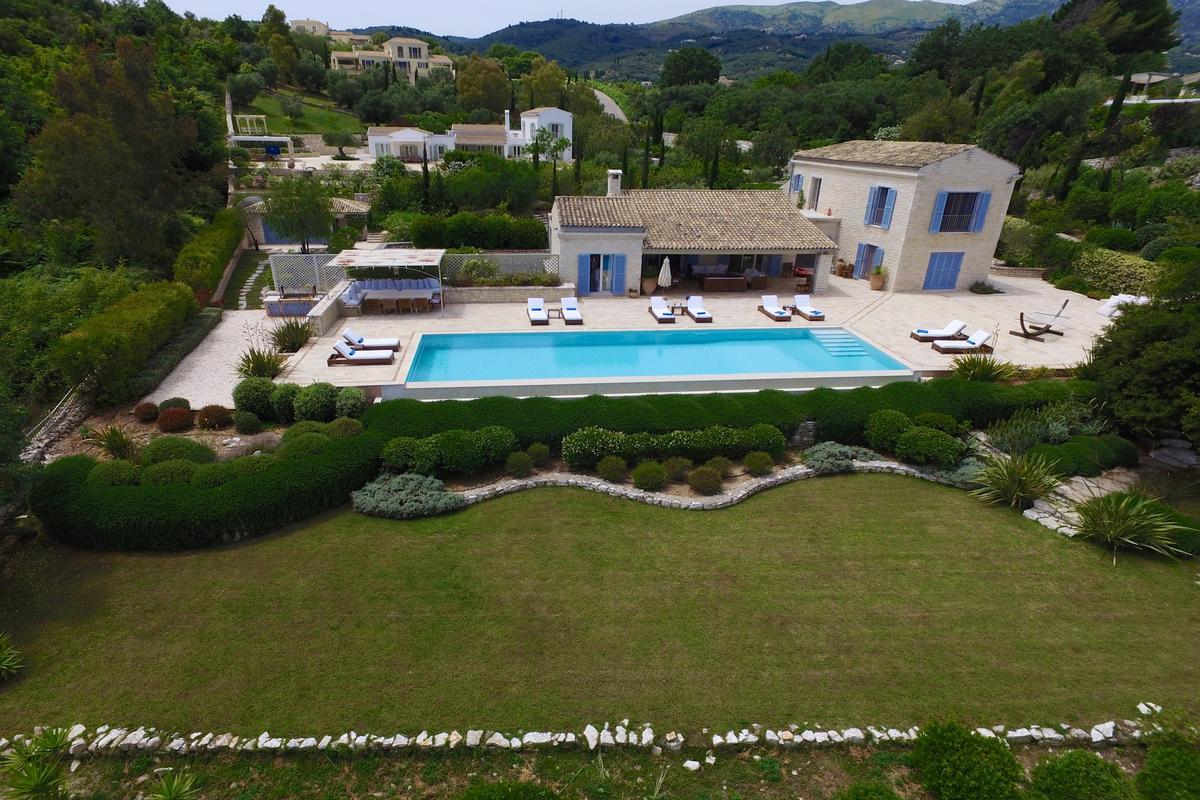 Luxury properties exclusive north east coast of Corfu