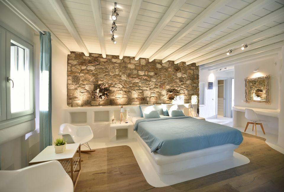 Luxury real estate Two-Floor Villa for rent in Mykonos