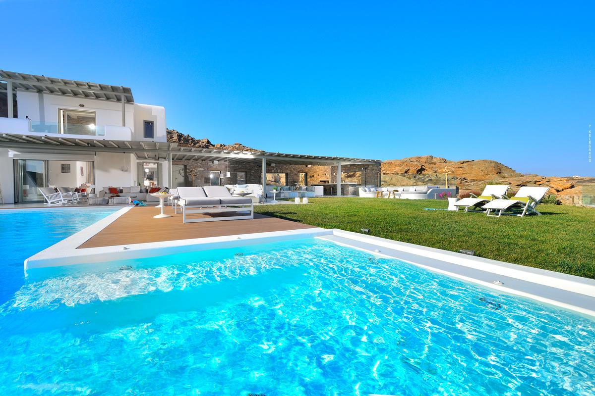 Luxury homes Luxury Villa in Elia Mykonos Greece
