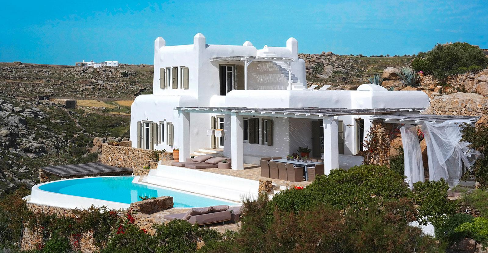 rental villa on the southeast side of Mykonos mansions