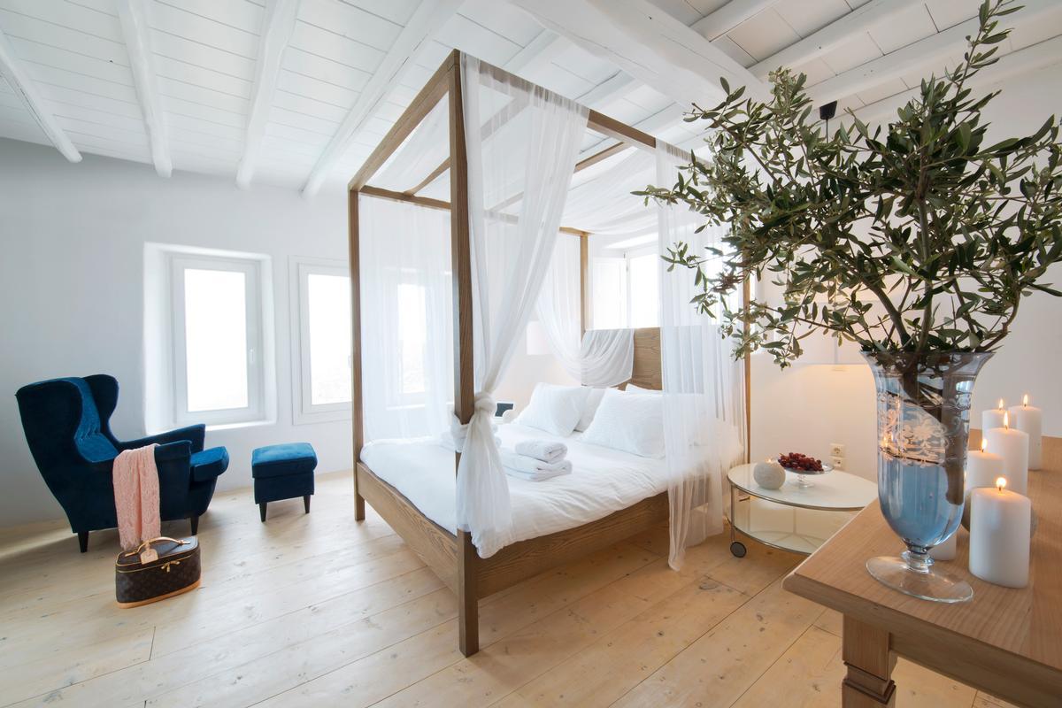 rental villa on the southeast side of Mykonos luxury real estate