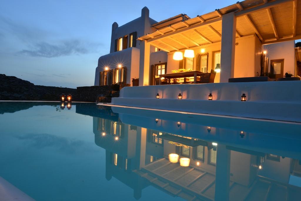 Luxury homes rental villa on the southeast side of Mykonos