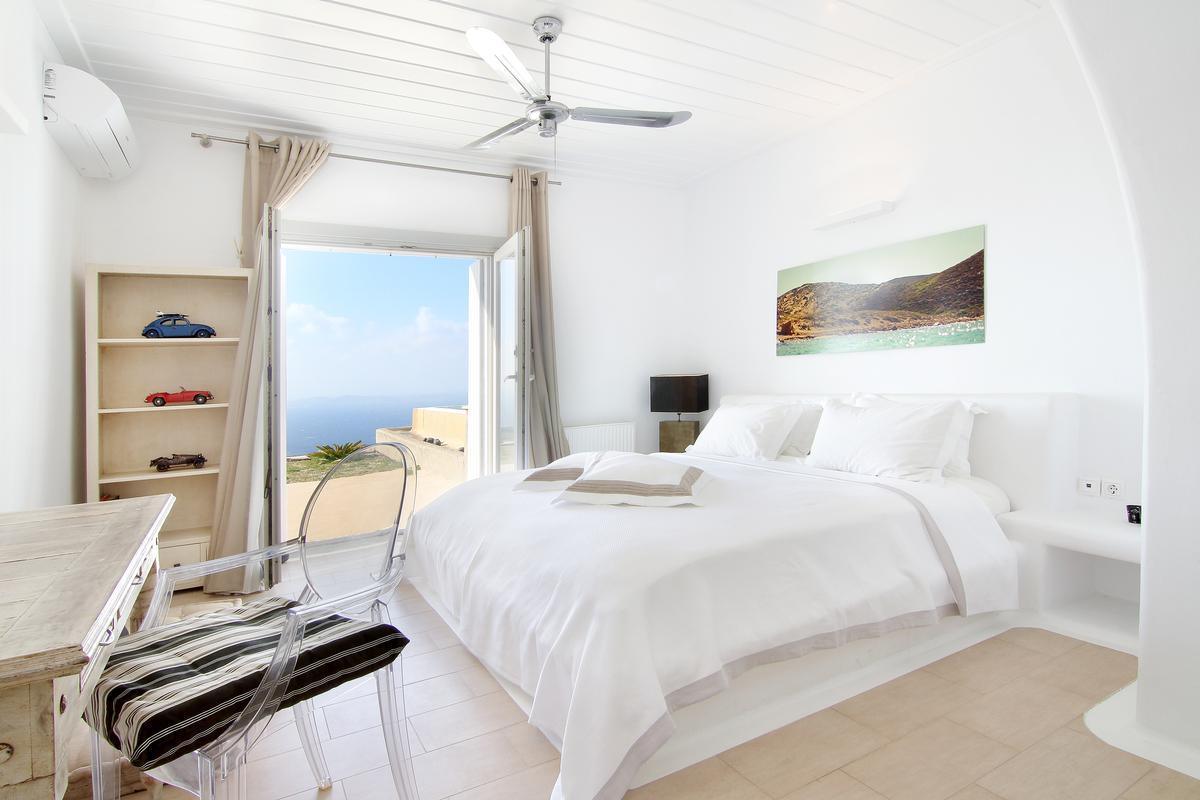 Luxury real estate Luxury Villa for rent in Elia Mykonos