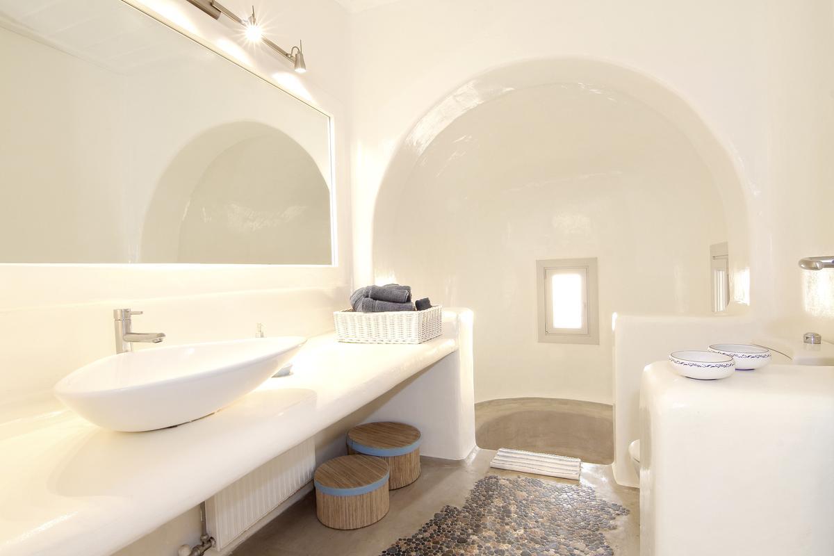 Luxury Villa for rent in Elia Mykonos luxury real estate