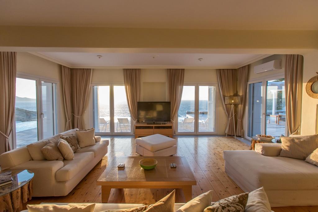 Luxury Villa rental in Mykonos luxury homes