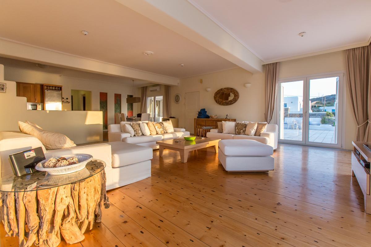 Luxury real estate Luxury Villa rental in Mykonos
