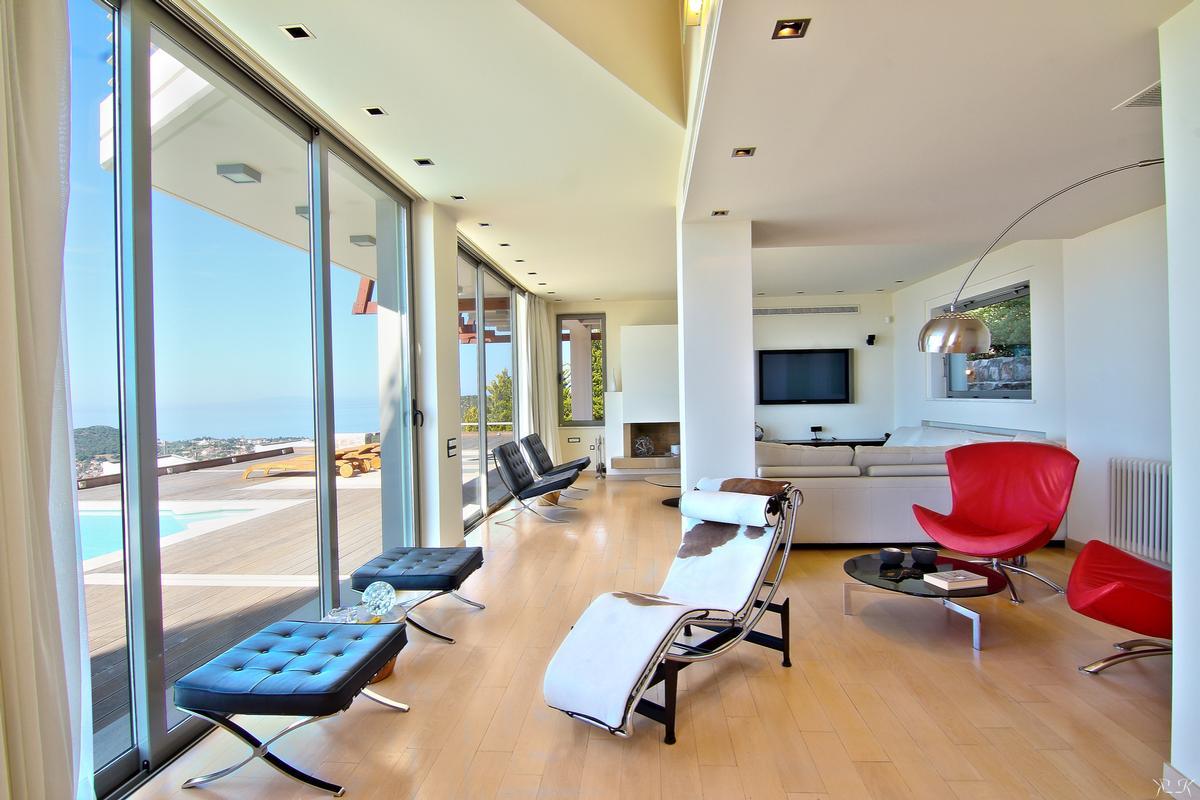 Luxury real estate Villa with View in Saronida area