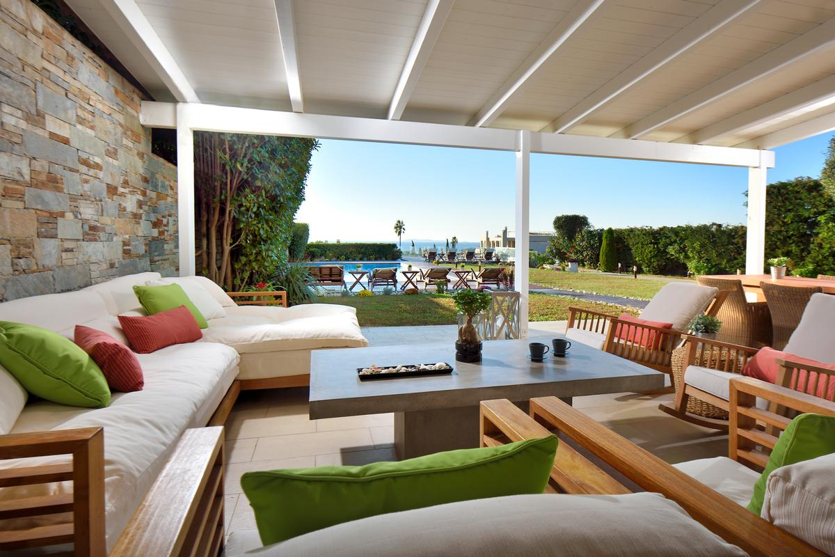 Luxury homes Villa for rent in Saronida Athens