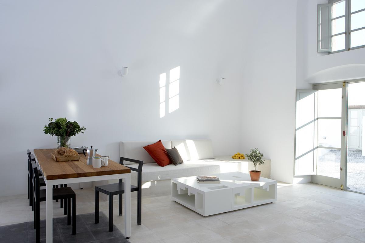 Four Luxury Villas in Santorini luxury homes