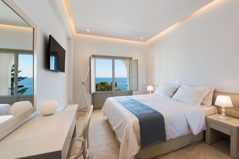 Luxury real estate Villa with View in Santorini Island