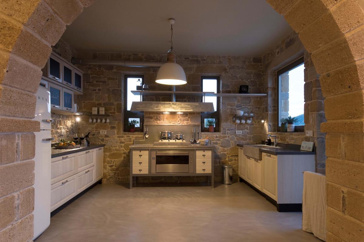 rental villa with View in Crete luxury homes