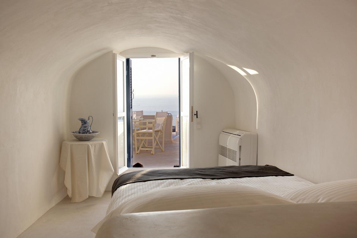 luxury mansion in Santorini luxury homes