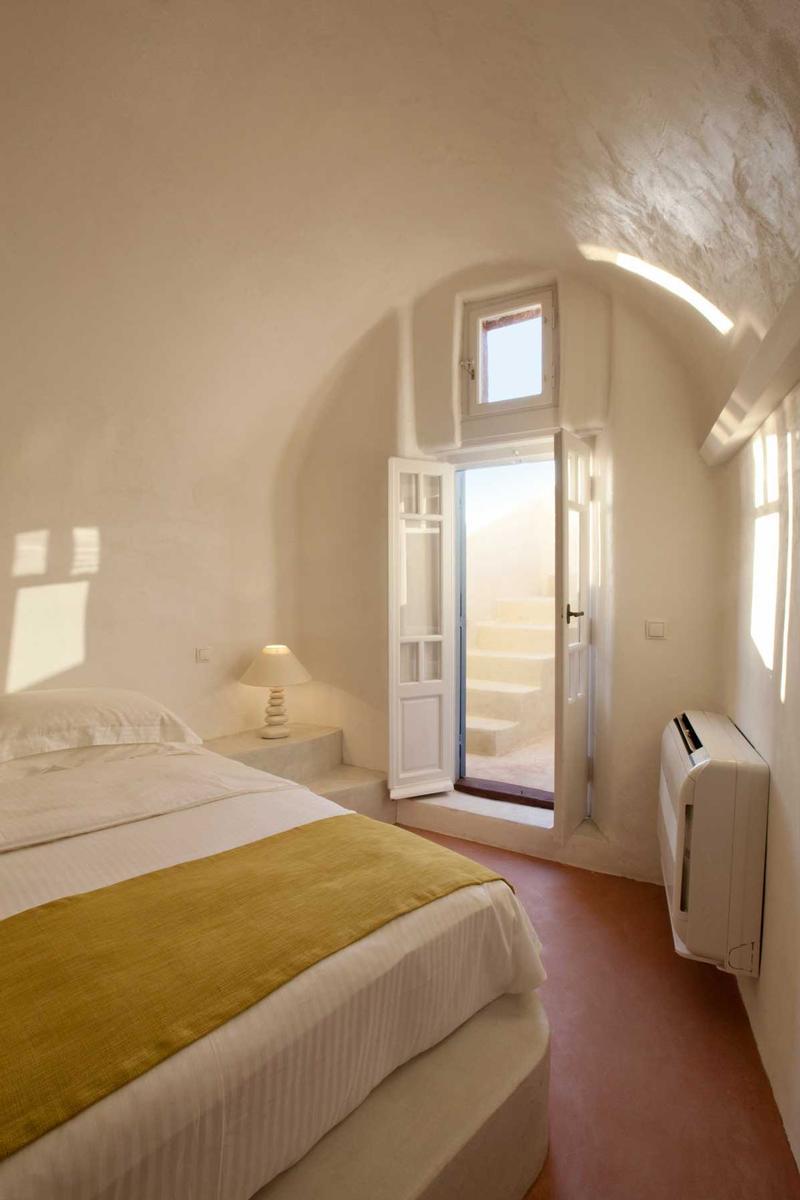 Luxury real estate luxury mansion in Santorini