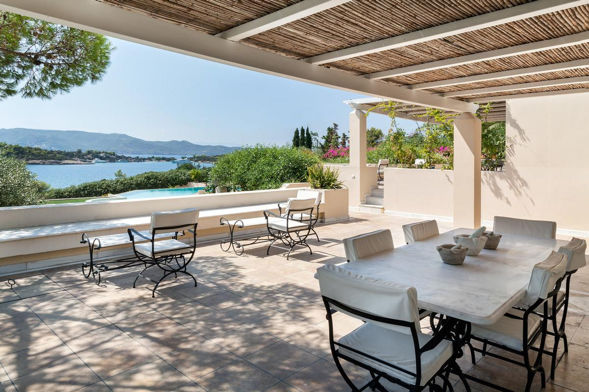 Villa 500 M2 in Porto Heli luxury properties