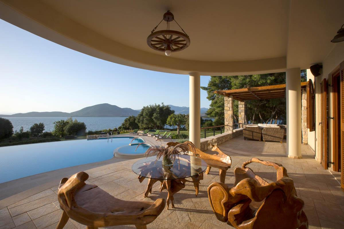Luxury properties Luxury Villa 705 M2 in Vonitsa, Greece