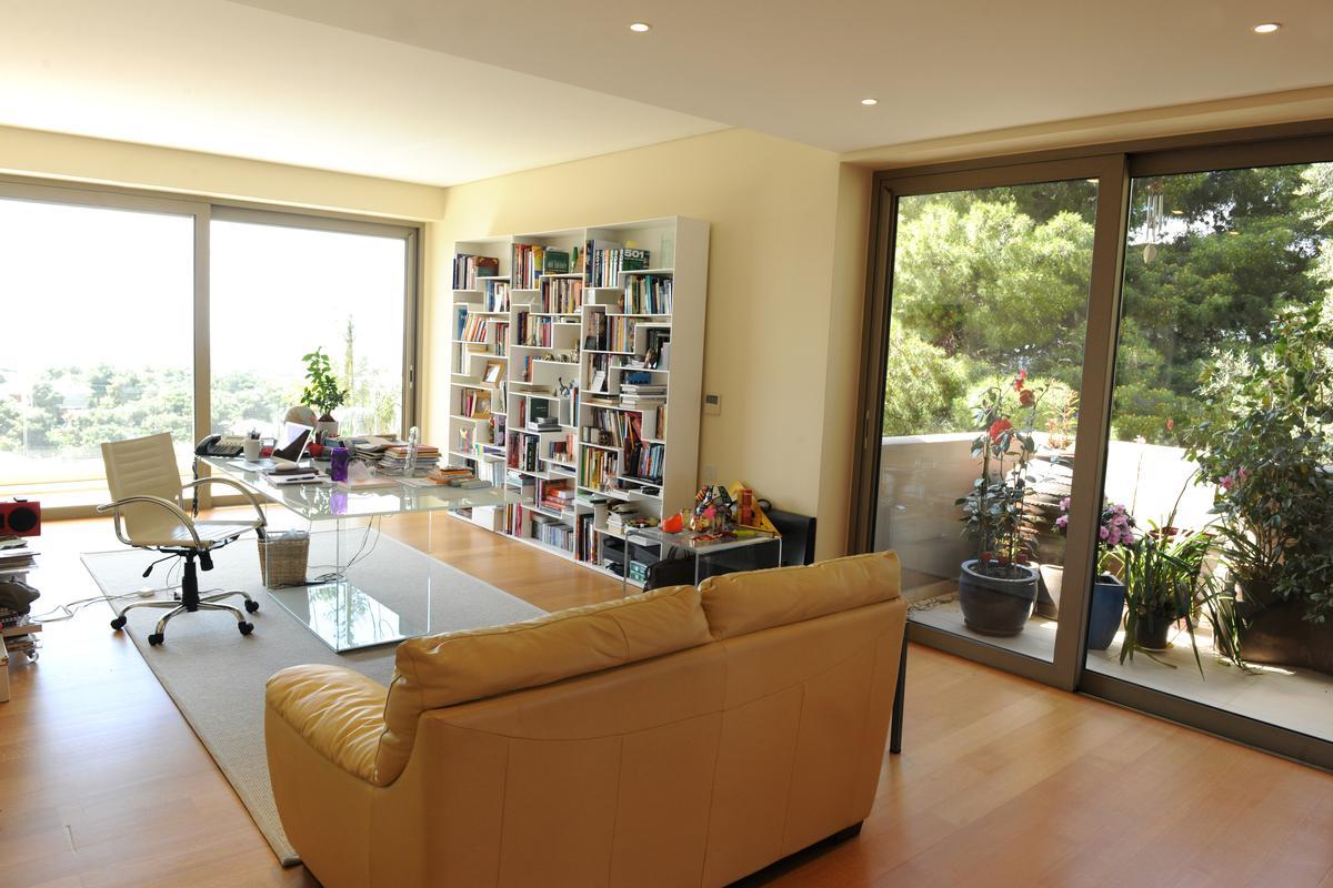 LUXURY POLITEIA VILLA luxury properties