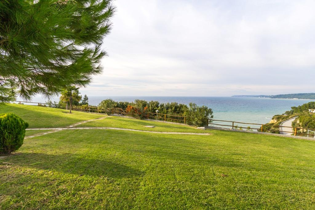 BEACHFRONT VILLA IN CHALKIDIKI luxury properties