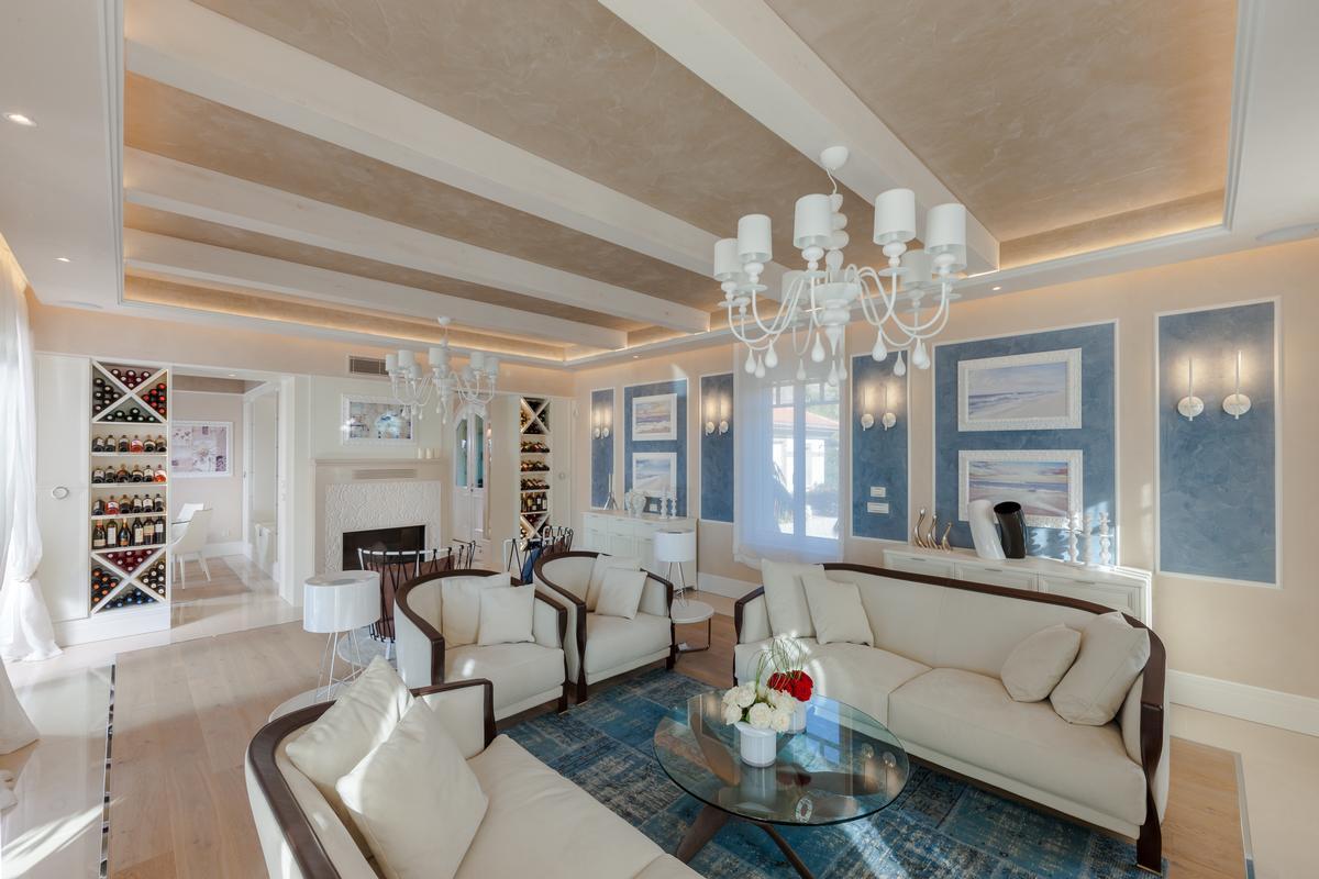 Luxury properties Luxury BEACHFRONT VILLA in Greece