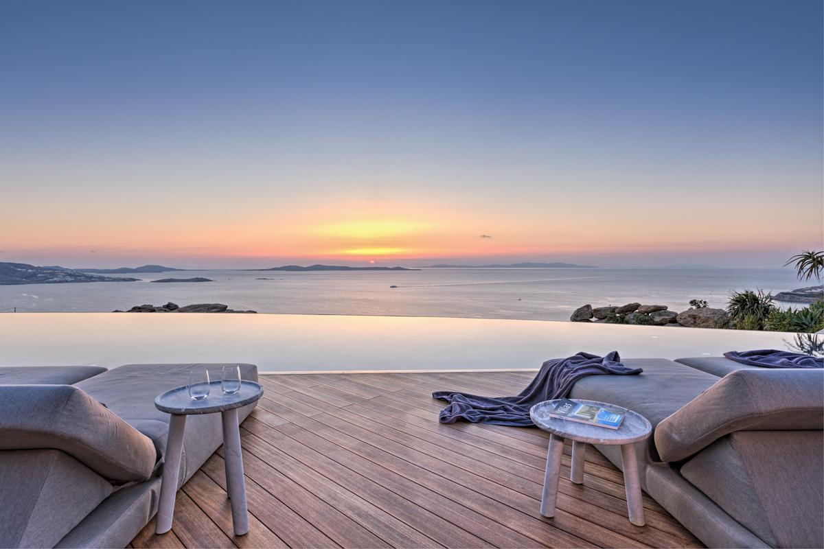 Luxury homes LUXURY VILLA IN MYKONOS