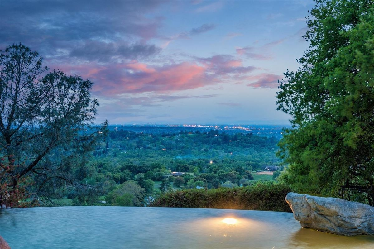 Luxury real estate Privacy, panoromic and breathtaking views