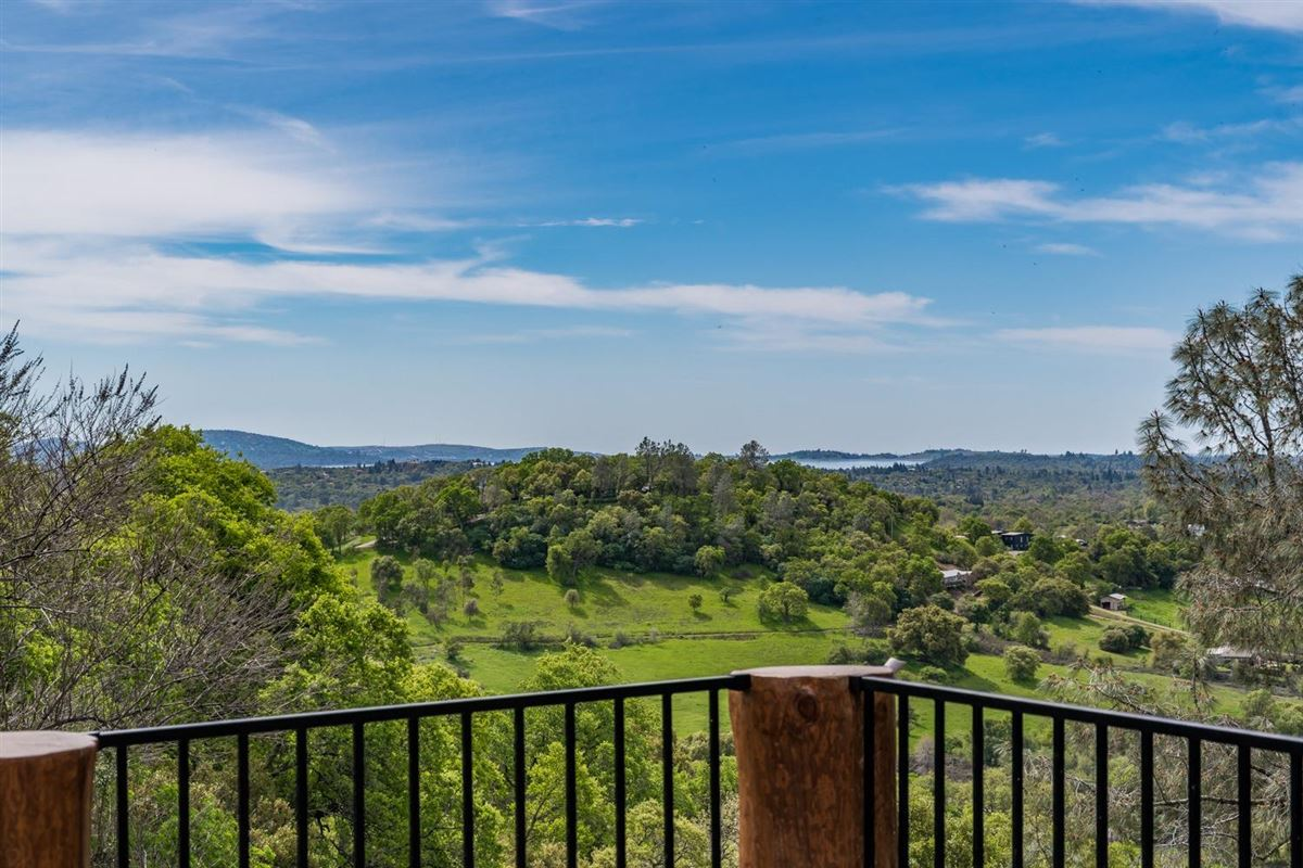 Luxury properties Privacy, panaromic & breathtaking views