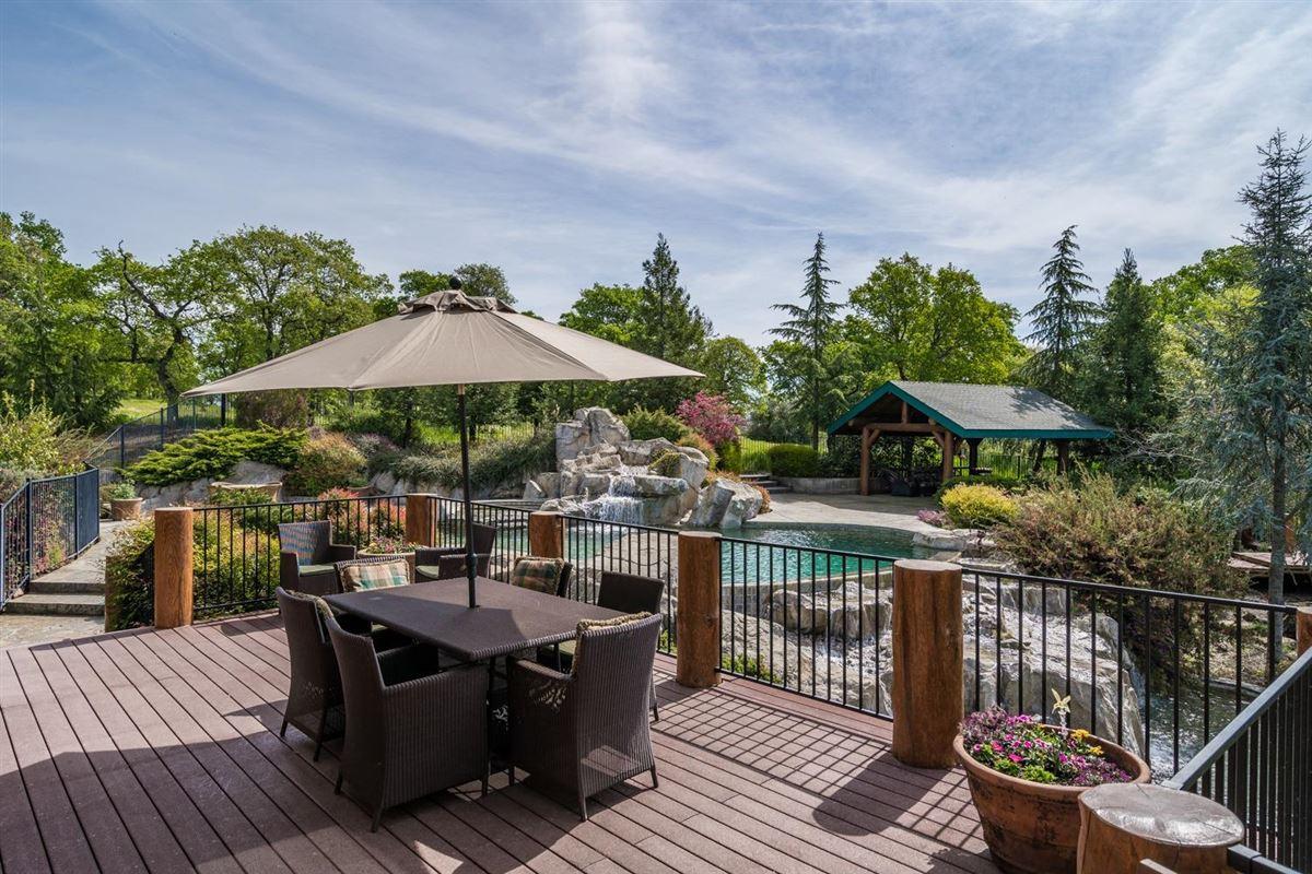 Luxury homes in Privacy, panaromic & breathtaking views