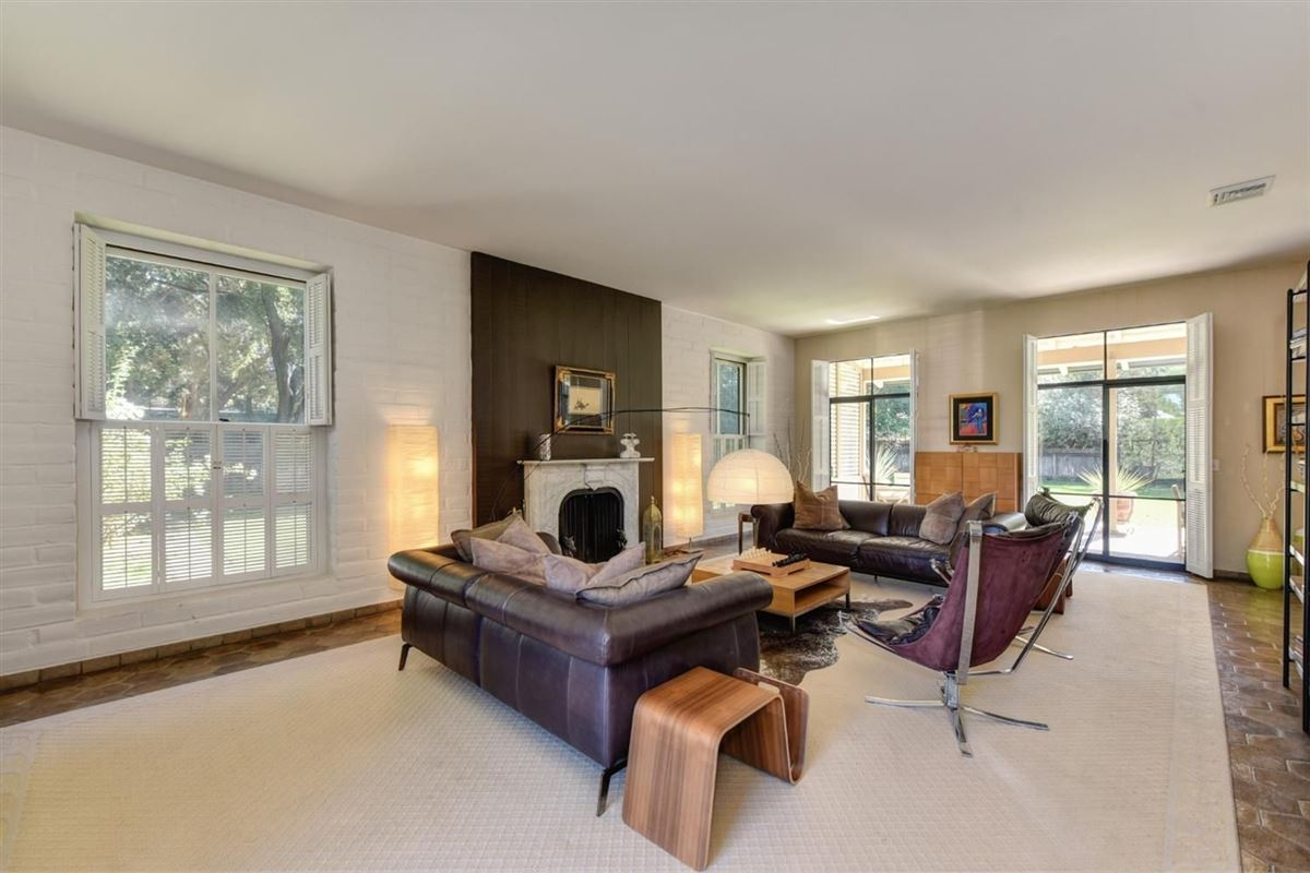 Mansions Private Delta Riverfront estate