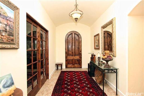Luxury homes Luxury Vineyard Estate