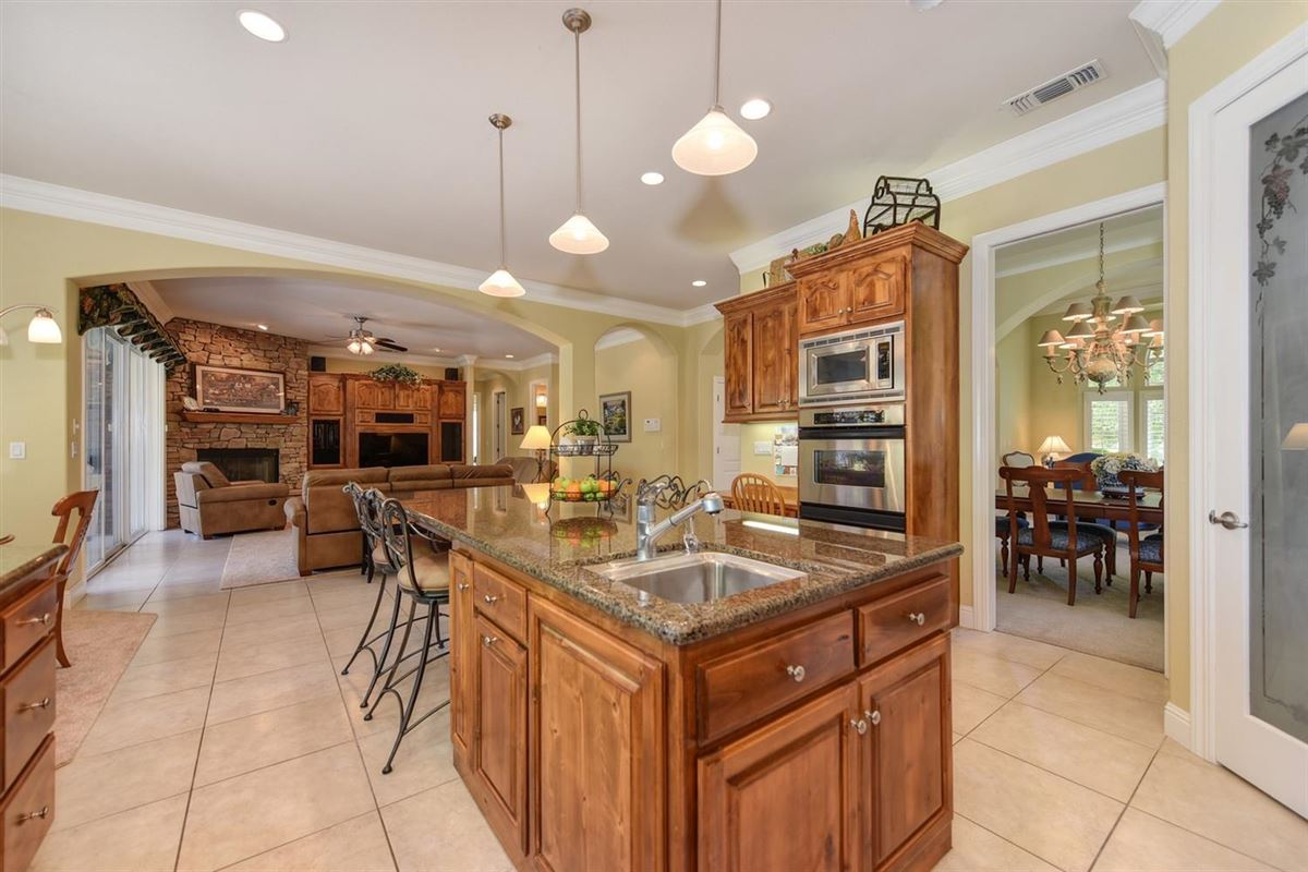 Luxury homes in  gorgeous Granite Bay community of Douglas Ranch