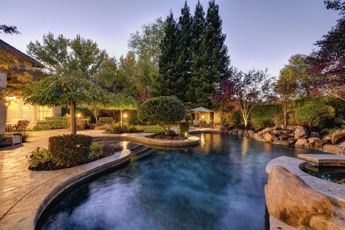 gorgeous Granite Bay community of Douglas Ranch luxury properties