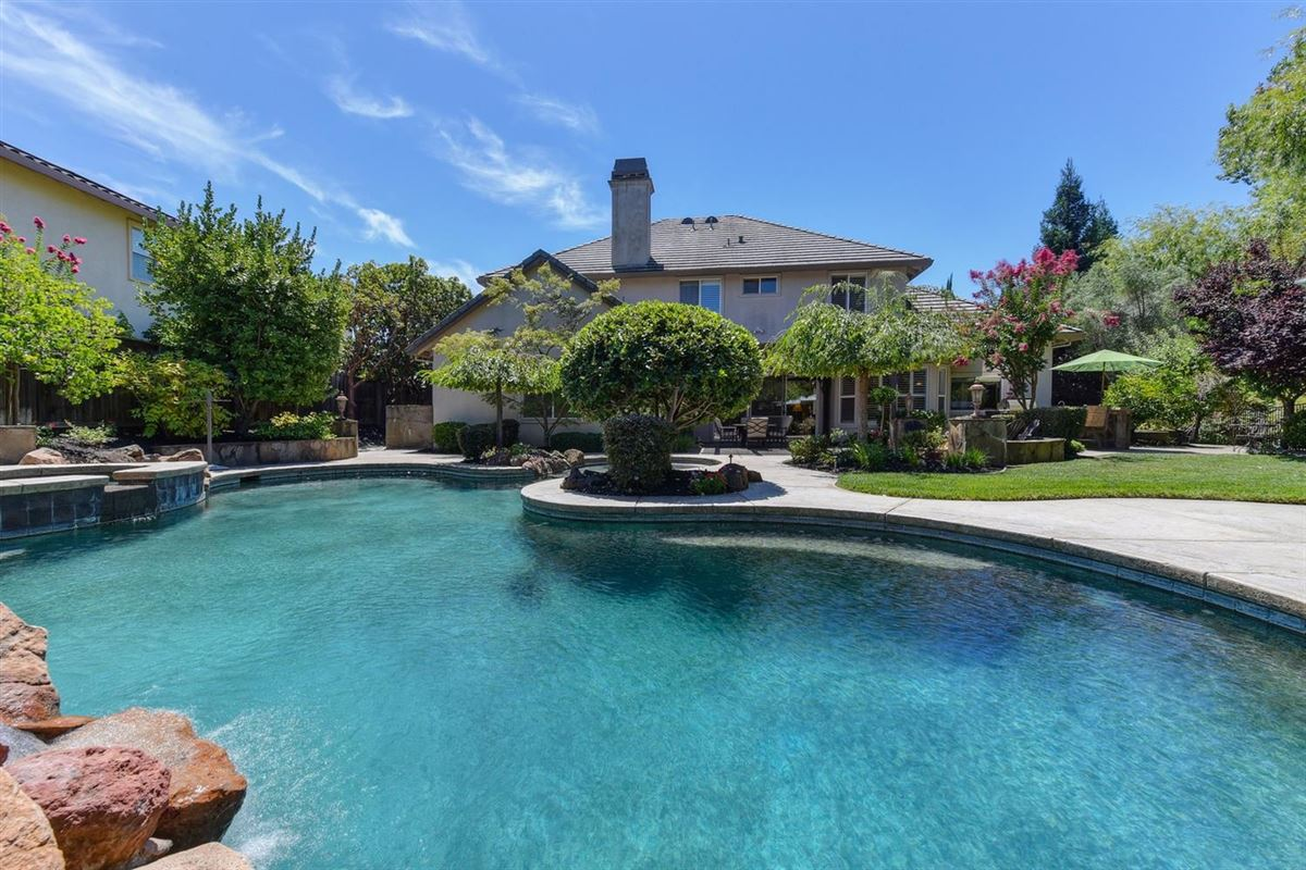 gorgeous Granite Bay community of Douglas Ranch mansions