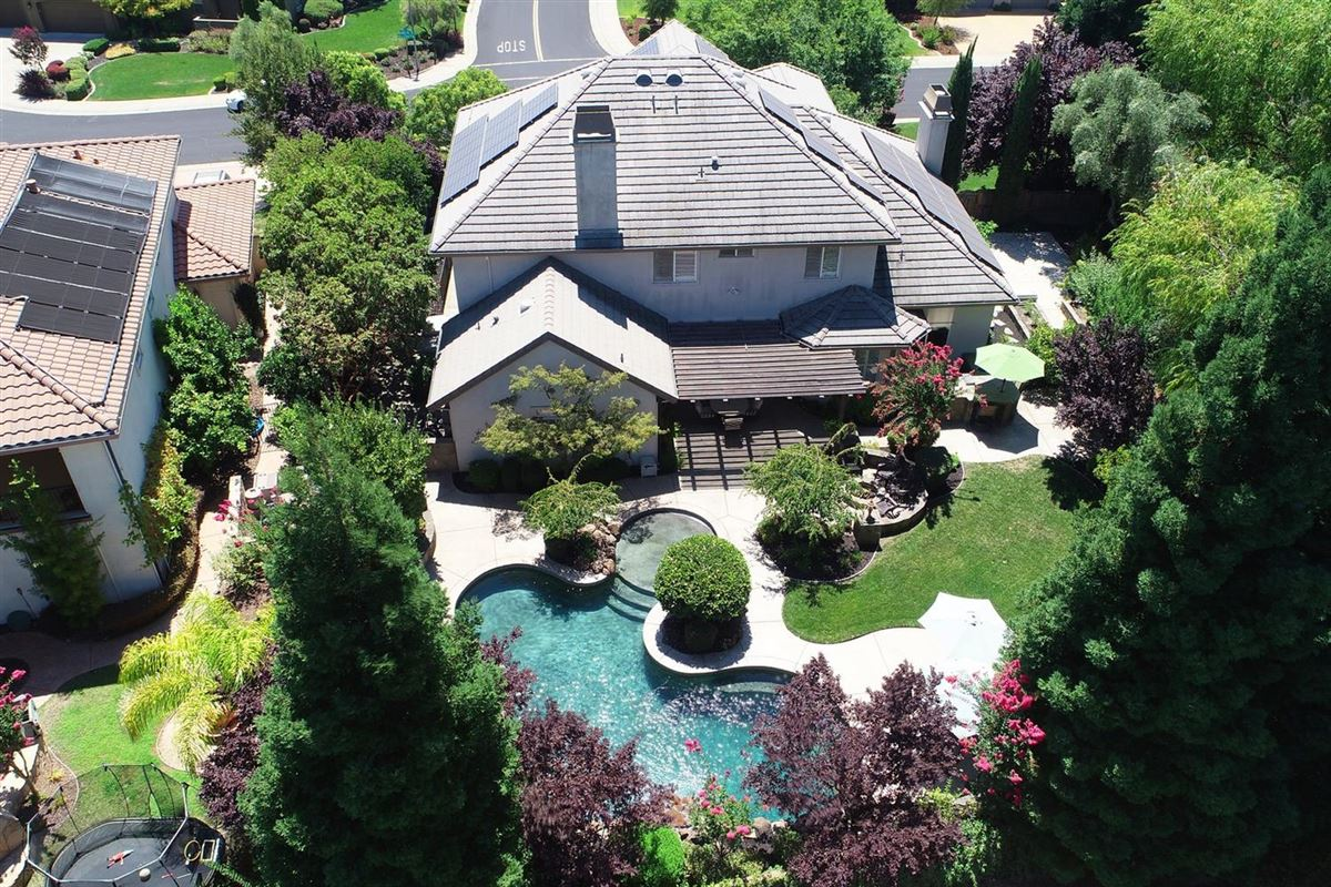 Mansions in  gorgeous Granite Bay community of Douglas Ranch