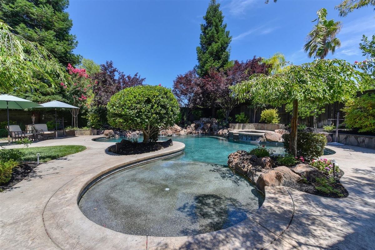Luxury properties  gorgeous Granite Bay community of Douglas Ranch