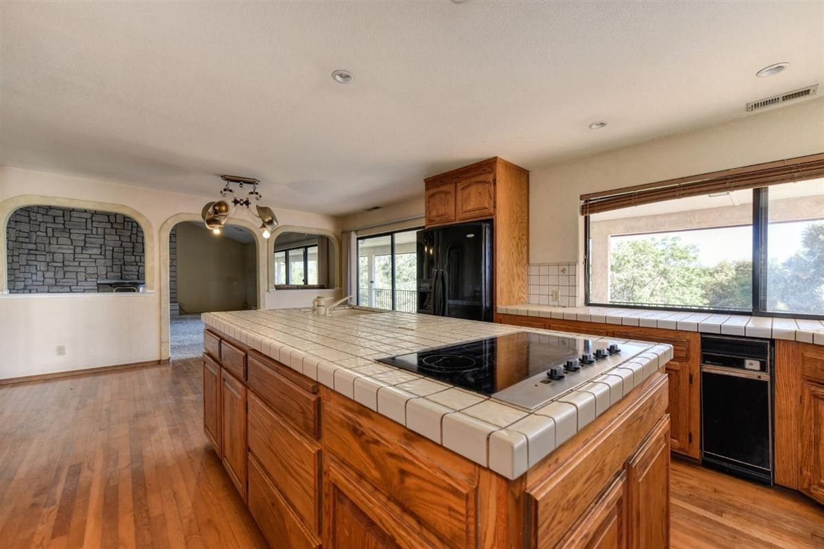 a wonderful property in colfax luxury homes