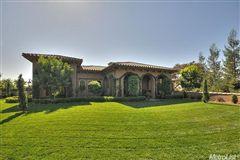 Luxury homes in Exquisite Tuscan Villa