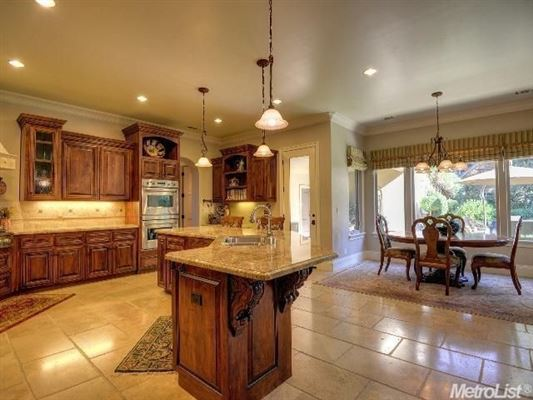 Luxury real estate exquisite one-story home with open floor plan