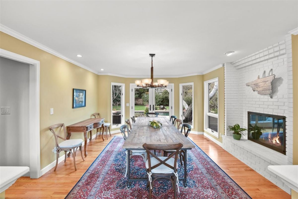 gorgeous home on Desirable Kingsford Drive luxury real estate