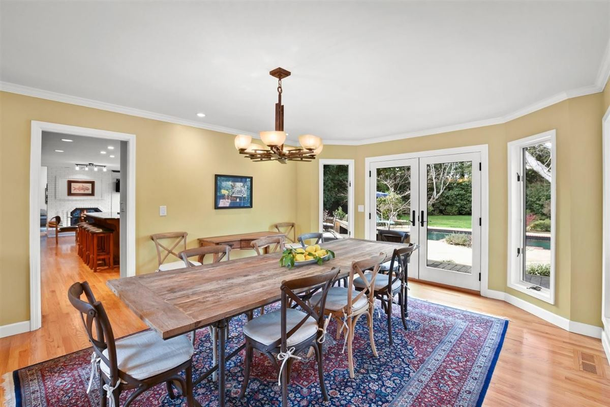 gorgeous home on Desirable Kingsford Drive luxury properties
