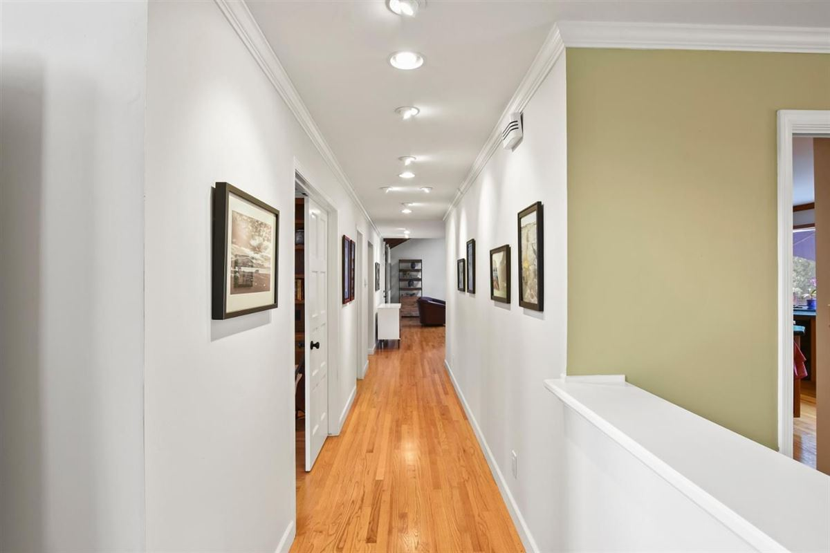 gorgeous home on Desirable Kingsford Drive mansions