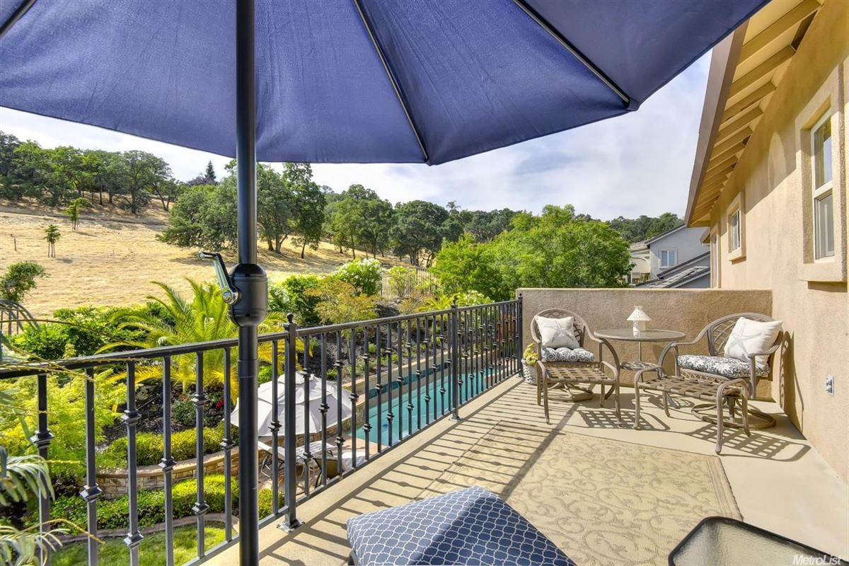 Mansions in stunning, custom-built home in rocklin