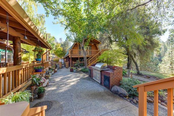 Luxury properties an extraordinary log home
