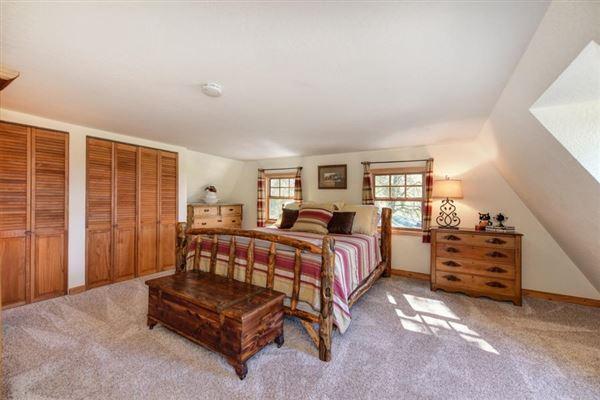 Luxury homes an extraordinary log home