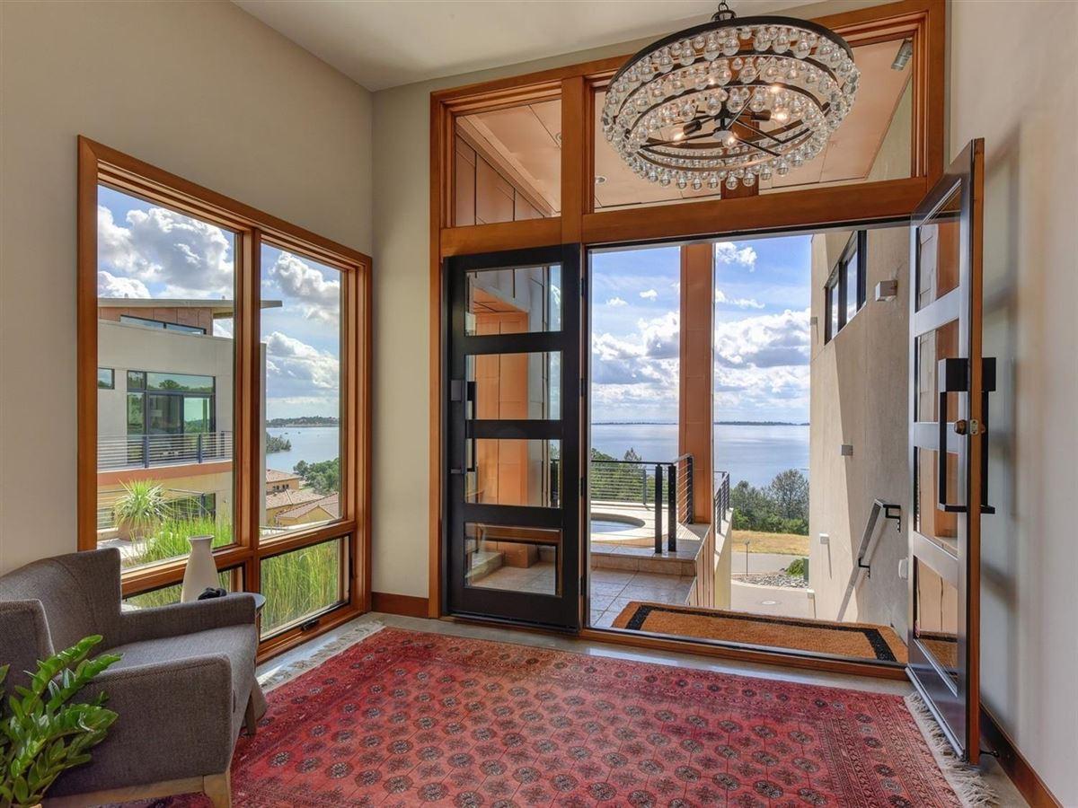 Luxury homes Stunning contemporary masterpiece