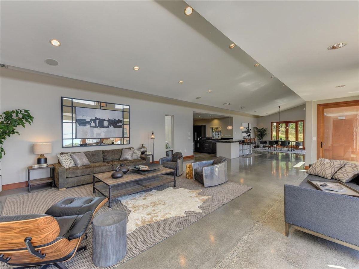 Stunning contemporary masterpiece luxury homes