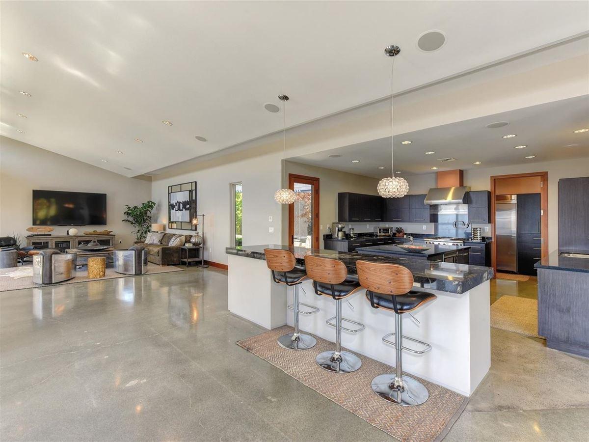 Stunning contemporary masterpiece luxury real estate
