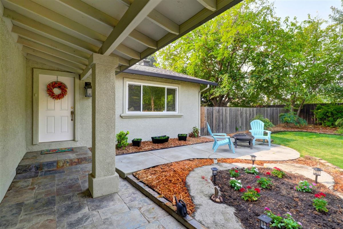 Luxury real estate delightful, well-maintained home