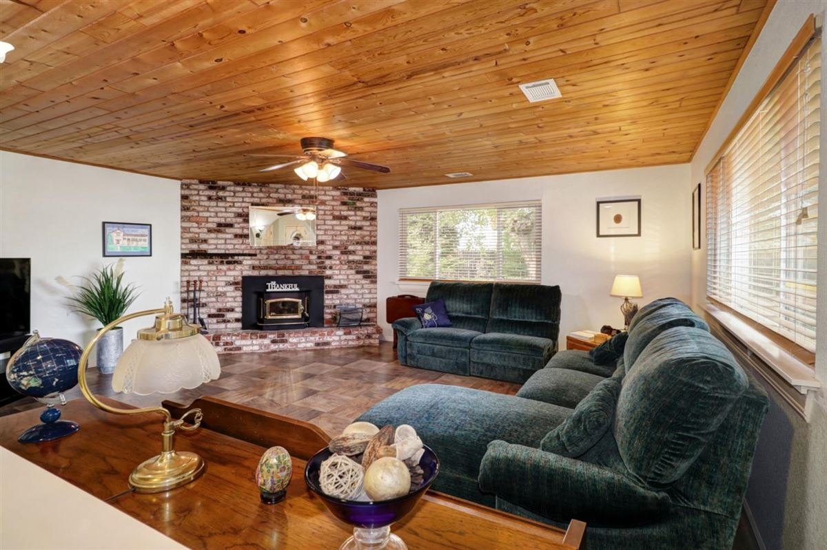 delightful, well-maintained home luxury properties