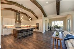 high-quality single story home luxury properties