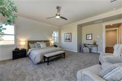 Luxury homes high-quality single story home