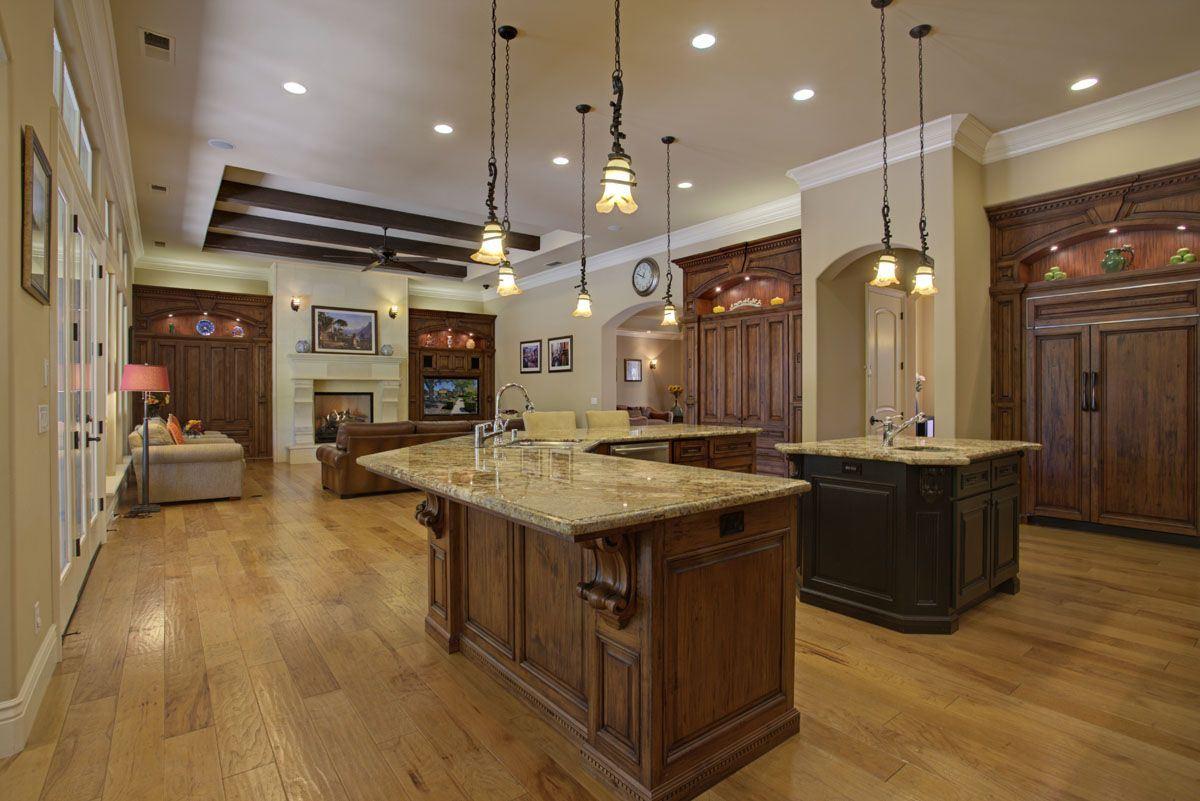 Distinctive luxury luxury real estate